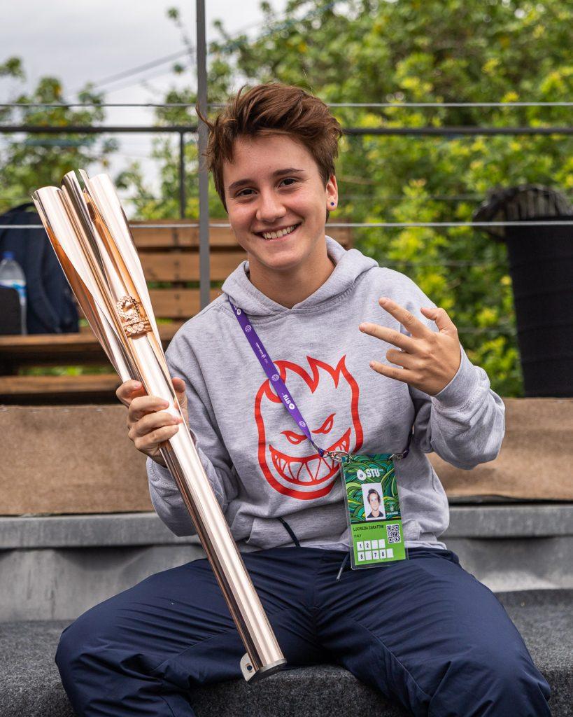 Lucrezia Zarattini con la torcia olimpica a Rio - ph. Federico Romanello