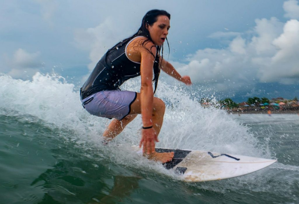 Chiara Falchetti surf