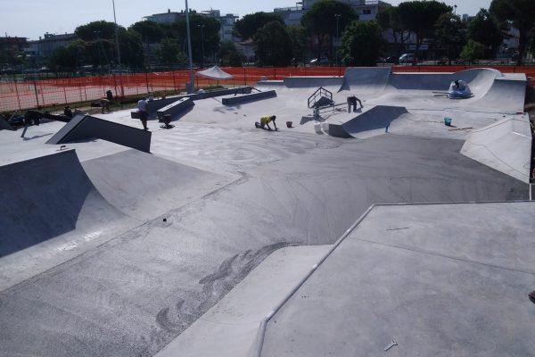 costruzione skatepark lignano - ph. Simone Zanusso